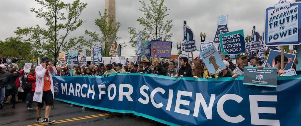 Academic vs. Capitalist Science