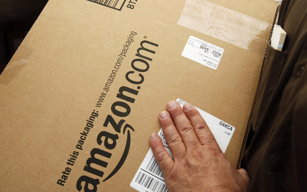 Amazon Controversy Makes the Case for a Private-Sector US Postal Service