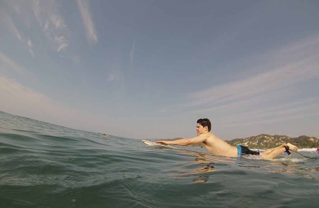 rodney-ingram-sayulita-surfing