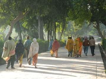 Walkers at the Taj Mahal