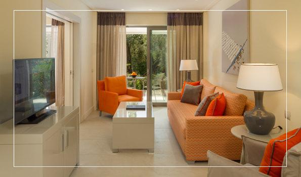 ExecutiveSuiteCoverline - Rooms & Suites