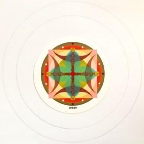 Después de dibujar 3 Círculos concéntricos de 16,2 cm de diámetro, 13 cm y 8,2 cm, poner el símbolo en el centro Ehëiah.