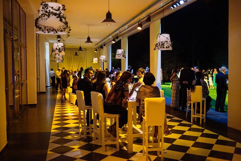 fotos de recepcion de noche en astilleros milberg ambientacion por Estilo Chic