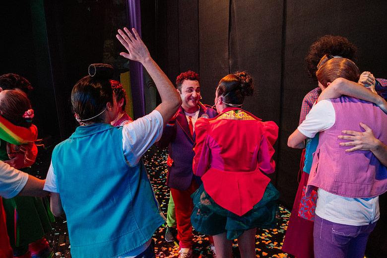 fotos profesionales de backstage de show