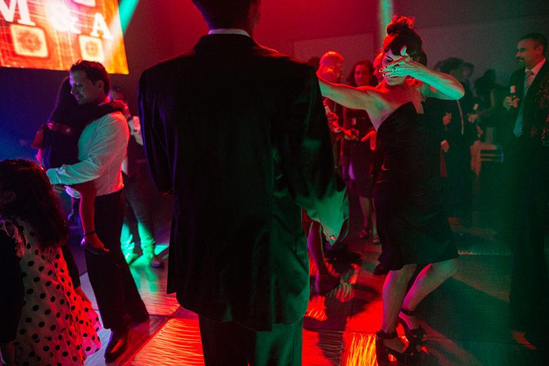 fotografia de bodas con luz ambiente