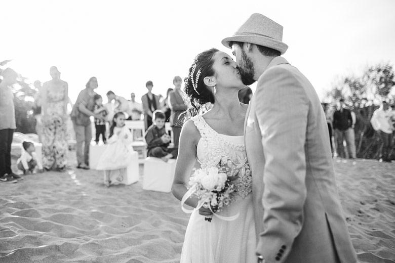 foto artistica de casamiento en la costa
