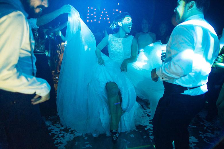 natural lighting wedding photos