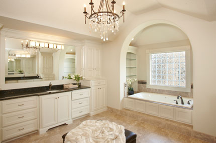 Master Bath of the Larsen II plan