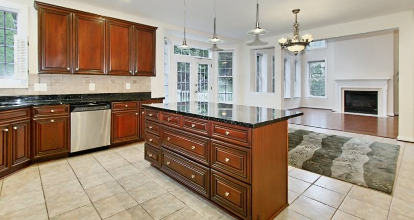 🏡A spacious Lake Barcroft home open Sunday, 2-4p⭐ROCK STAR Realty Group presents 3753 Tennis Court Falls Church, VA 22041; Lake Barcroft for$979,000