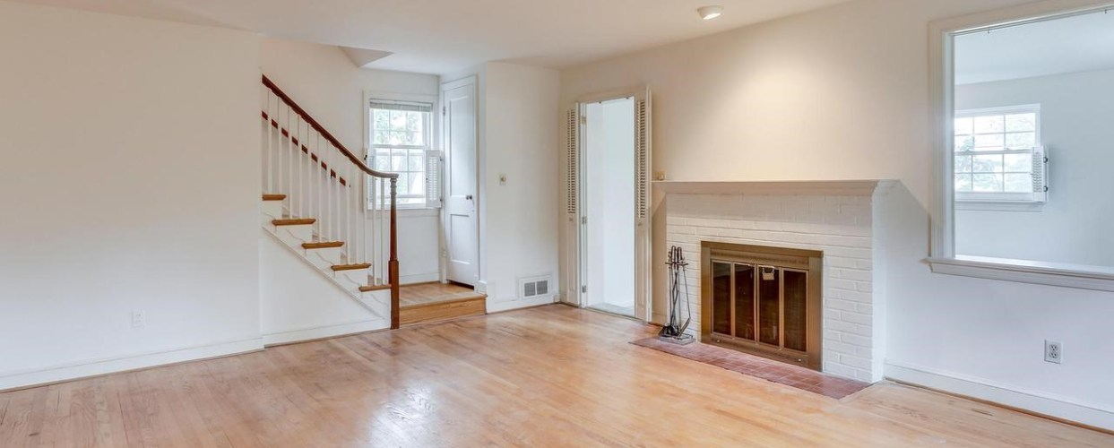 Come, take a look or schedule an appointment to see this home.6558 28th Street N Arlington, VA22213 is $829,000.