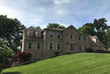 11696 Hollyview Drive Great Falls, VA 22066 picturesque
