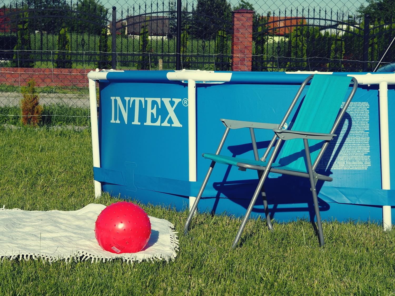 BASEN OGRODOWY INTEX- IDEALNA ROZRYWKA DLA CAŁEJ RODZINY.