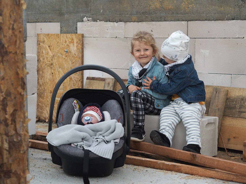 Dzieci na budowie czyli jak radzimy sobie na tym etapie życia łącząc i godząc ze sobą te kwestie.