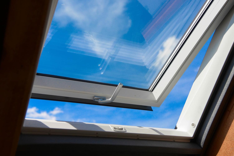 System ciepłego montażu okien VELUX.