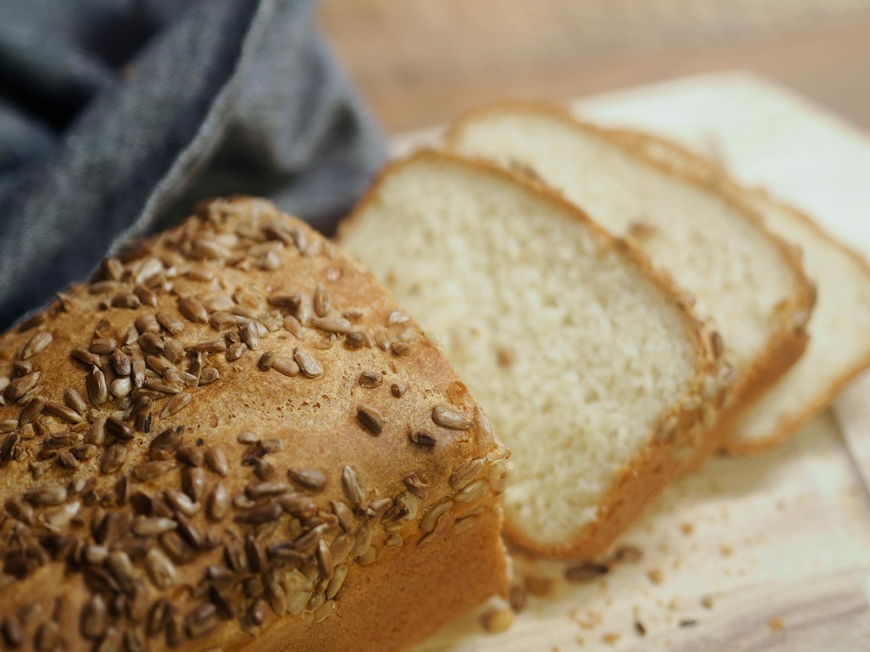 Mój pierwszy domowy chleb i moja wielka duma z samej siebie! Ten przepis nie może się nie udać!
