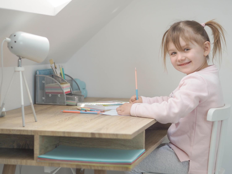 Kącik do nauki dla przedszkolaka- Home Office Weroniki