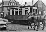 Klingenthal_Strassenbahn_belebte_Strasse