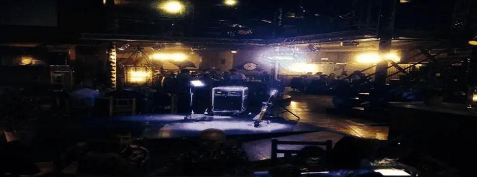 professionele apparatuur op het podium