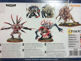 The back of the box also contains 'eavy Metal painted units as well as some color suggestions. Neat.