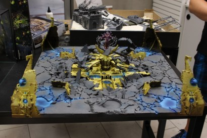 This is pretty much one of the best Transcendent C'tan models I've seen, too bad the pic is a bit blurry.