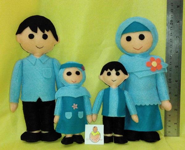 Boneka Maskot Keluarga Berencana (KB)
