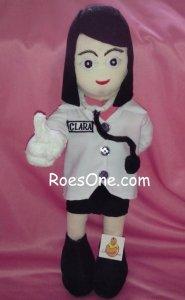 Pembuatan Souvenir Boneka Profesi Wisuda Dokter Perempuan