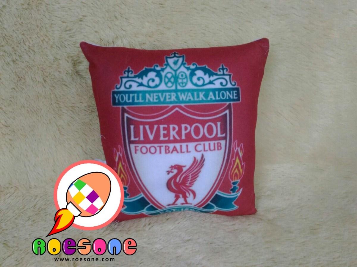 Produsen Bantal Print Club Sepak Bola Liverpool FC