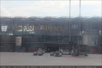 Köln Bonn Airport, Terminal D (aus dem Flugzeug gesehen)