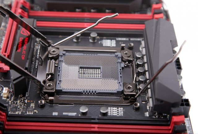ASUS & ROG X99 Exclusive: OC Socket – Extra Pins, Extra Performance! 17