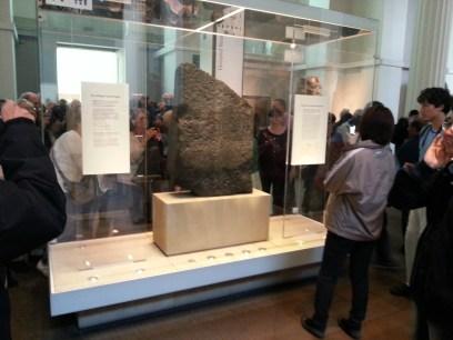 The crowd around the Rosetta Stone.