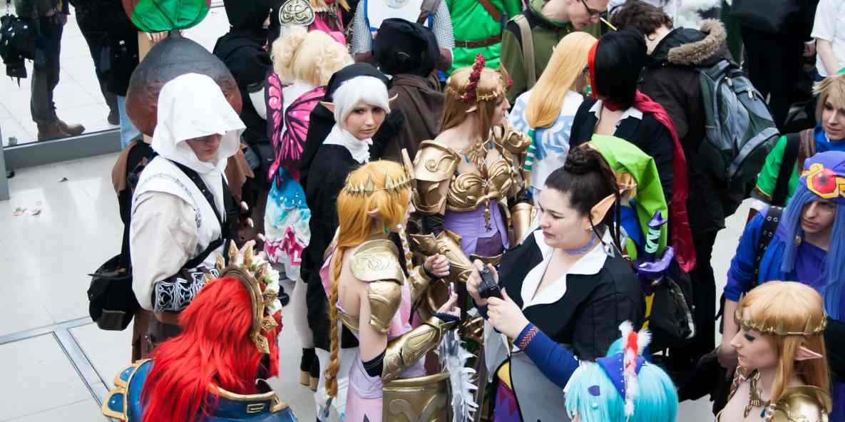 5+ Ways to Make Cosplay Friends at Conventions