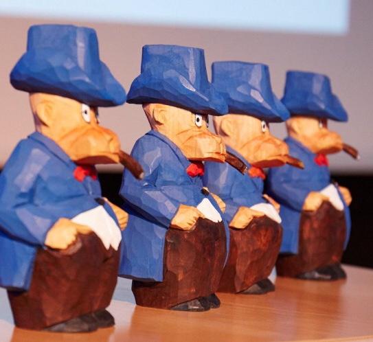Adamsonstatyetten är en träskulptur föreställande Adamson