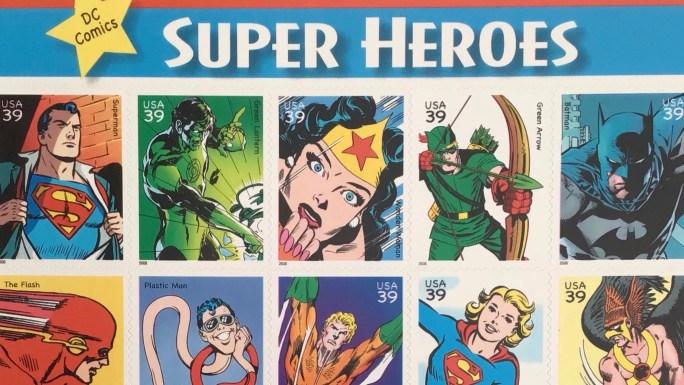 Superhjältar som frimärken