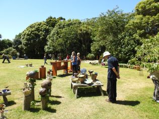 festival-of-pots-and-garden-art-otaki-jan-2017-0089