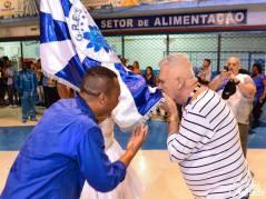 Hommage au Drapeau du Président de l'école de Samba