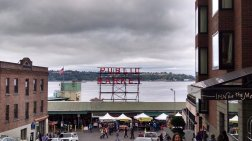 Roguetrippers visited the iconic Pike Place Market place.