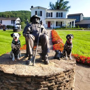 Road trip to the Bourbon trail in Kentucky was a fun trip for Roguetrippers and Randoms Travels.