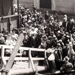 pier-21-immigration-historic-photo
