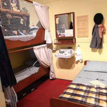 replica-cabins-immigrant-cunard