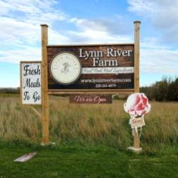 Lynn-River-farm-store-Roguetrippers-Perth-County-Tourism