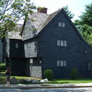 Salem-witch-house-2007-roguetrippers