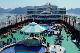 enjoy pool when stay aboard cruise ship