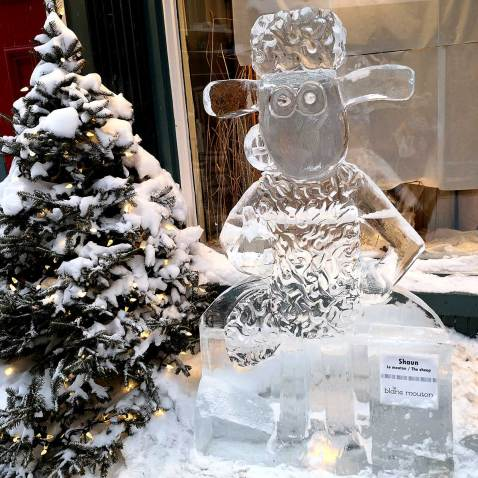 Quebec-Carnaval-Shaun-the-Sheep-ice-carving