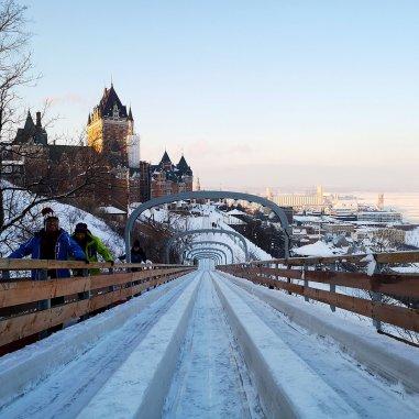 Quebec-Carnaval-Toboggan-hill