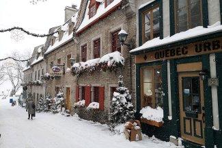 quebec-historic-district-winter-Carnaval