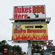 Dukes-BBQ-Buffet-roguetrippers