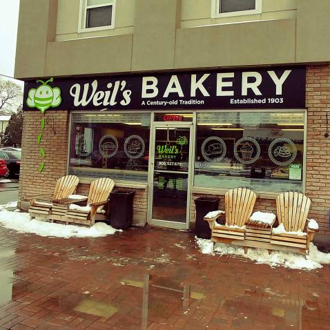 Roguetrippers visit Weil's bakery west dale