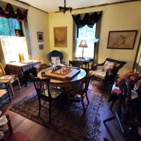 Four-Mile-Creek-Inn-Bed-and-Breakfast