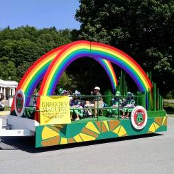 Gregory Maguire Float in the Oz-Stravaganza festival parade
