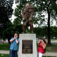 Cowardly Lion Statue in OZ PARK in Chicago